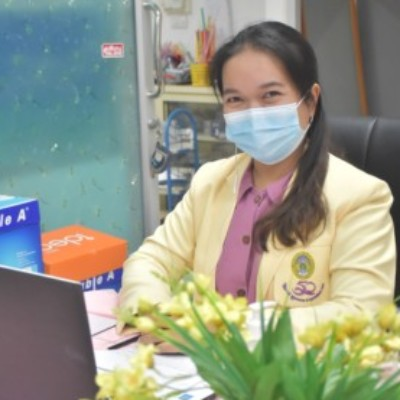 Profile picture of ชุลีพร บุ้งทอง