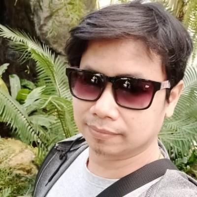 Profile picture of ลาภกร วัฒนสุข